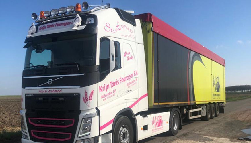 vrachtwagen krijn tanis fourages truck